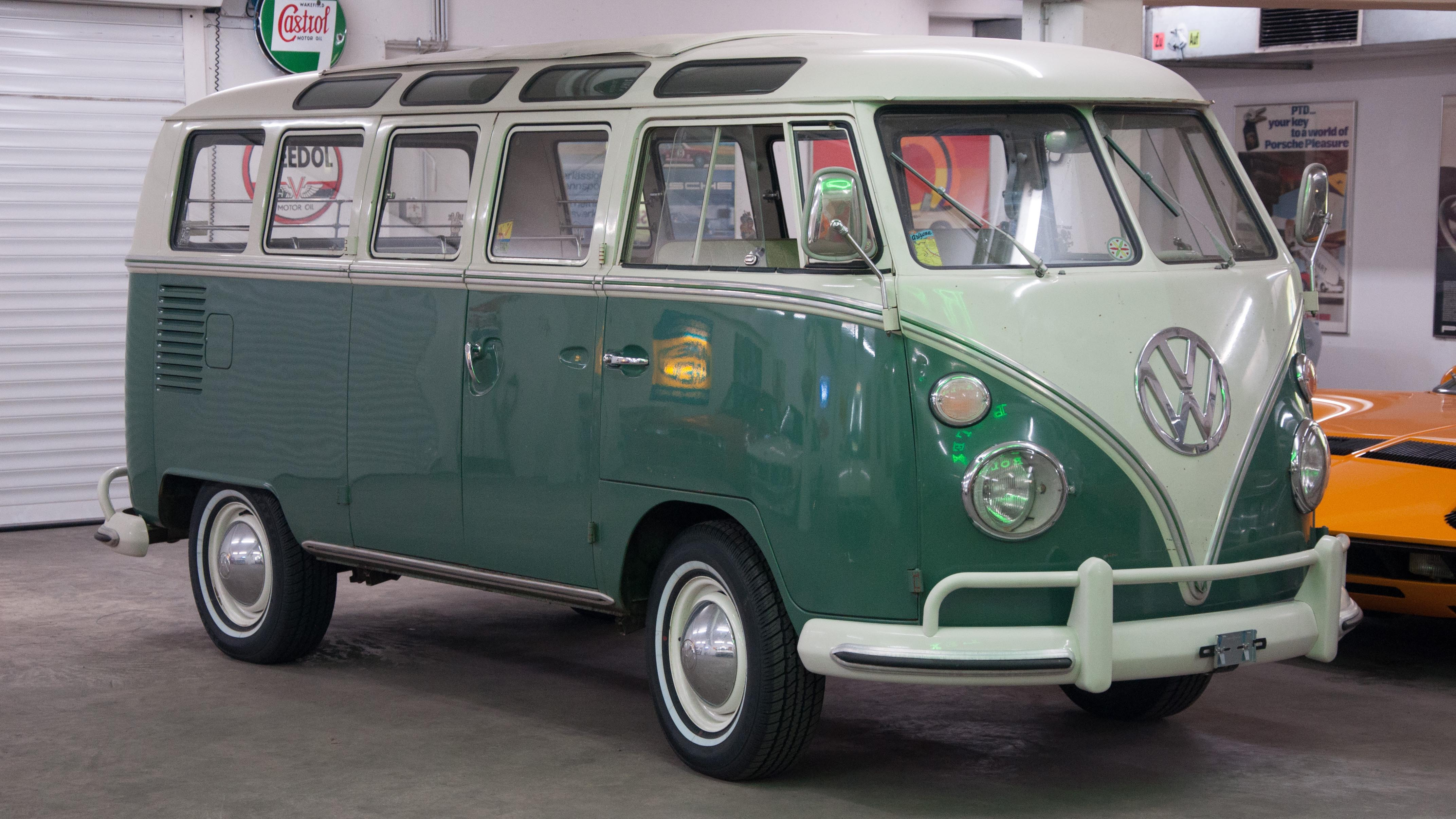 1967 VW T1 Samba | Weekend Heroes
